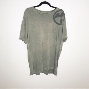 Green distressed Skull army green Tee size XL
